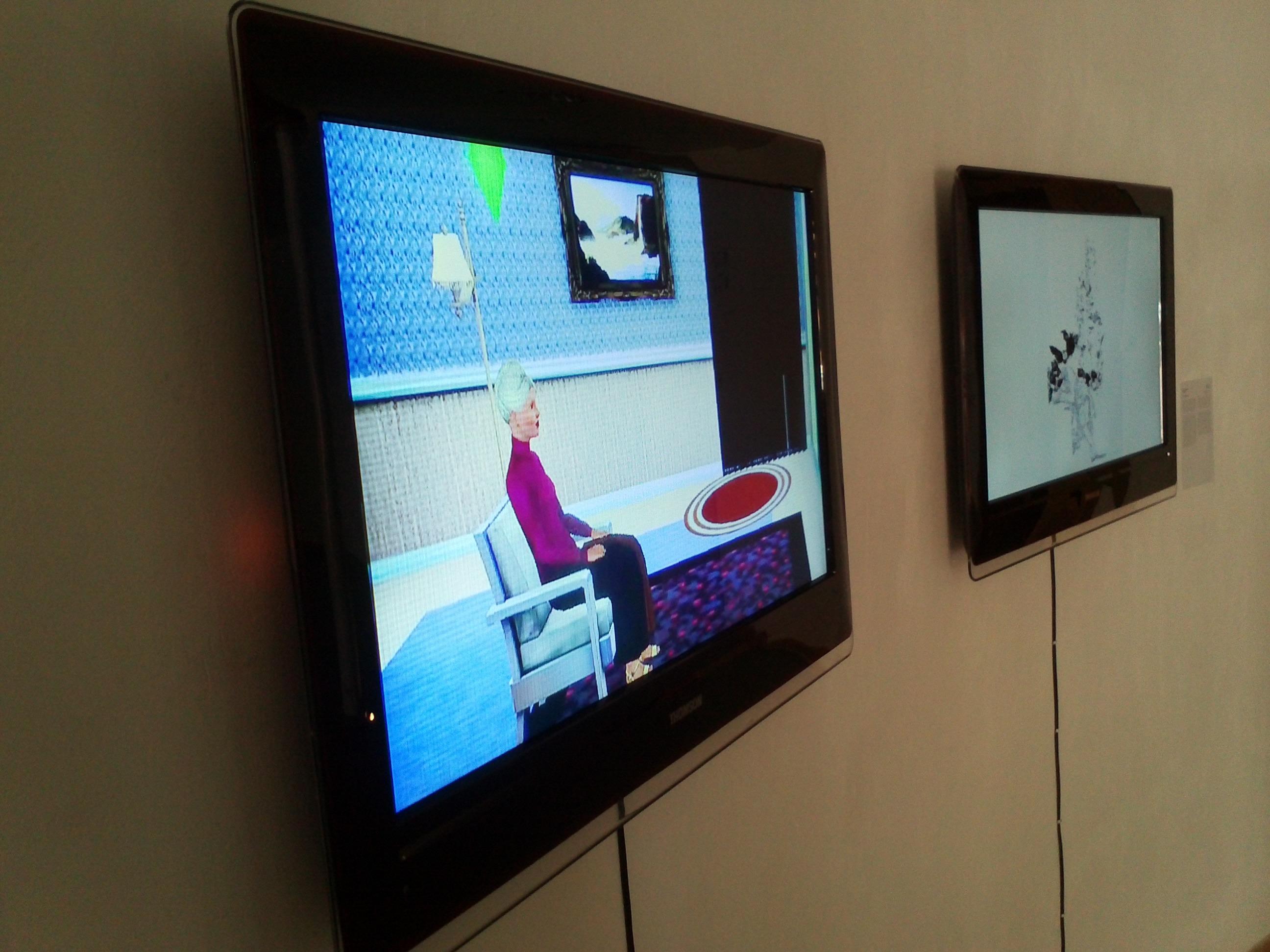 מערך טלווזיות בתערוכה בגלריה על הצוק נתניה